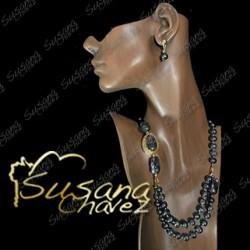 Collar de Perla y Calabazos  con accesorios de chapa de oro